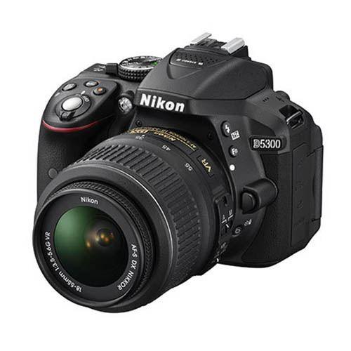 Nikon D5300 + AF-S 18-140 VR, Zwart