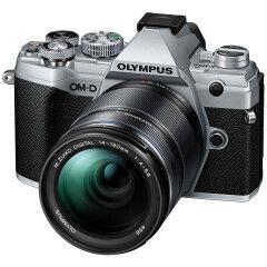 Olympus OM-D E-M5 Mark III Zilver + 14-150mm