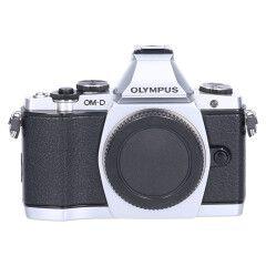 Tweedehands Olympus E-M5 body zilver Sn.:CM4991