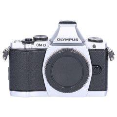 Tweedehands Olympus E-M5 body zilver Sn.:CM5960