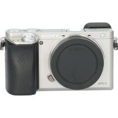 Tweedehands Sony A6000 Body Zilver CM5103