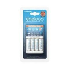 Eneloop Snellader+AA Batterijen (4 stuks)